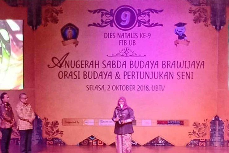 Anugerah Sabda Budaya, Persembahan untuk Sastrawan dan Seniman